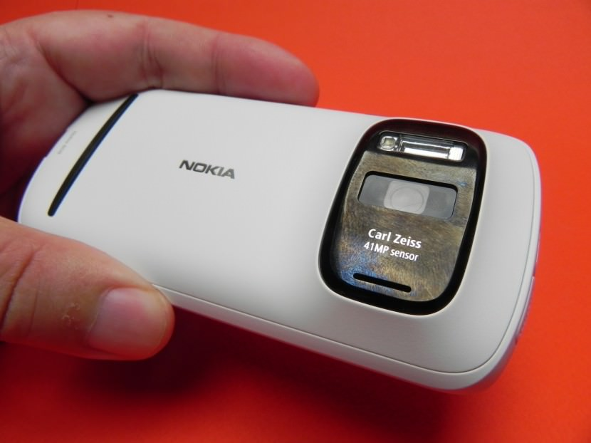 Review-Nokia-808-Pureview