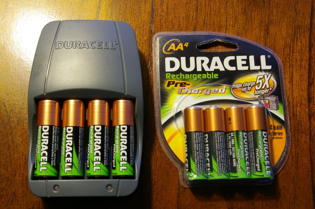 Ni-mh rechargeable batteries vs lithium ion 6-cell